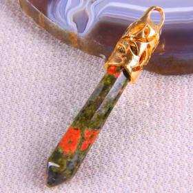 Кристаллический талисман Унакит